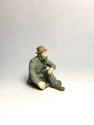 O Scale Sitting Hobo