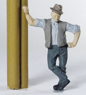 O Scale Leaning Man